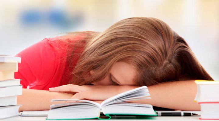 Почему у ребенка болит голова: разбираемся в причинах