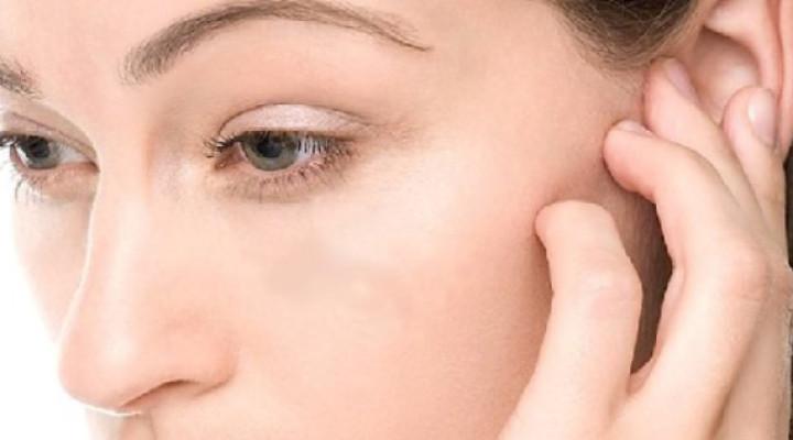Боль в области уха: причины, лечение