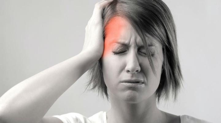 Болит верхняя часть головы: в чем может быть причина?
